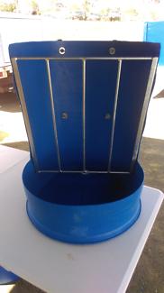 Plastic drum hay rack