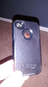 IPhone 4S 16GB with Otterbox - locked with Bell