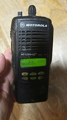 Motorola HT1250 LS+ 700MHZ Two Way Radio AAH255CF4DP5AN