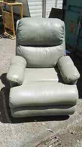 Green leather recliner Moorabbin Kingston Area Preview