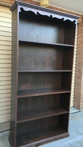 Solid timber bookcase, can deliver Belconnen Belconnen Area Preview
