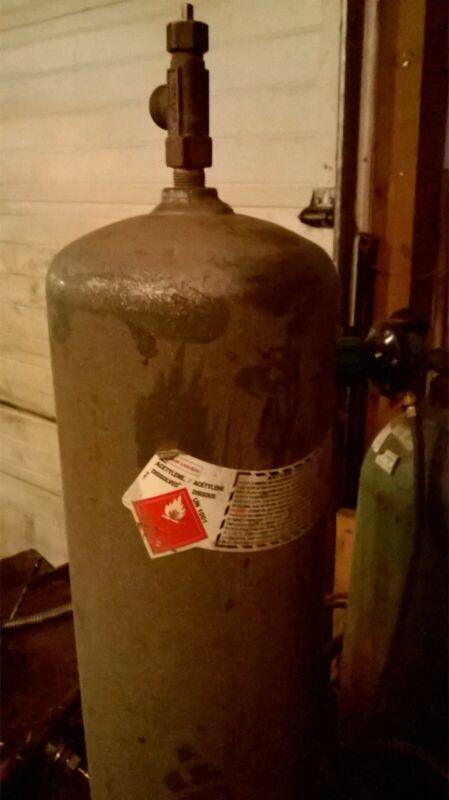 Empty 10 Cu/Ft Acetylene Tank