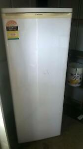clean working westinghouse fridge Phegans Bay Gosford Area Preview