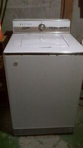 Vintage Maytag washer 1964 Stratford Kitchener Area image 1