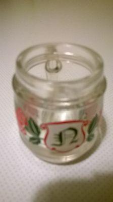 Mini-Bierkrug-Schnapsglas -ca.5 cm hoch-3,5 cm rund-Rosenmotiv-Buchstabe N ()