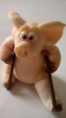 PIGGIN BREAK A LEG PIG COLLECTIBLE WORLD PLASTER THEATRE ACTING ANIMAL FARM