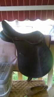 """all purpose eurohunter 16"""" saddle changeable gullet Mangrove Mountain Gosford Area Preview"""