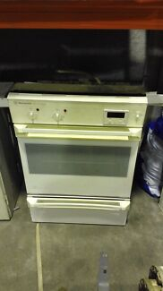 Westinghouse Silhouette Series Oven and Grill Campbellfield Hume Area Preview