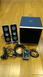 Logitech Z4 2.1 speakers Roseville Ku-ring-gai Area Preview