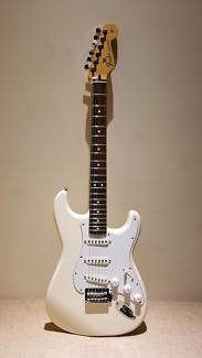 2017 Fender MIM Stratocaster