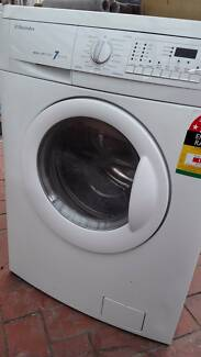 Electrolux 7kg White Washer & Dryer Combo, excellent condition