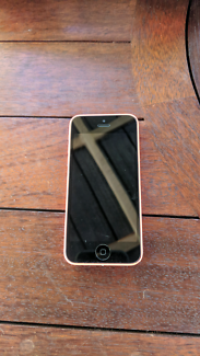 Wanted: Iphone 5C - Needs New Screen