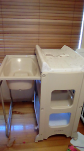 Baby bath and change table never used Keilor Downs Brimbank Area Preview