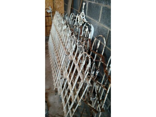 50' Cast Iron Fence with Horsehead hitching Post