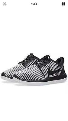 NIKE ROSHE TWO FLYKNIT Shoes Trainers Sneakers SIZE 7UK Eur41 - US9.5