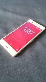 Sony z3 white (unlocked) Rowville Knox Area Preview