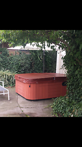 Outdoor/ Indoor Spa for 4 person - perfect for Winter. Essendon North Moonee Valley Preview
