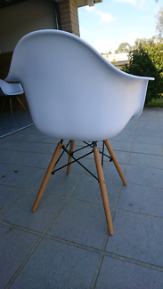 2 x Eames dining chairs - Mint condition