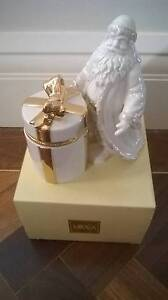 Mikasa Porcelain Holiday Elegance St Nick's Gift Box FK001/406 Grasmere Camden Area Preview