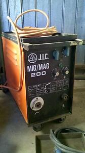 JIC 200 Mig welder 3 phase Woodville South Charles Sturt Area Preview
