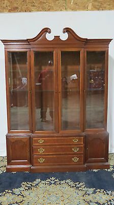 Hickory China Cabinet Breakfront Mahogany Dining Room Set