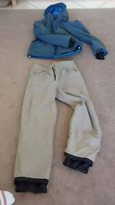 SESSIONS SNOWBOARD PANTS. THINSULATE SNOWBOARD JACKET Mudgeeraba Gold Coast South Preview