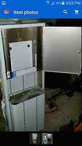 Stainless steel paper towel dispenser and bin with keys Bow Bowing Campbelltown Area Preview