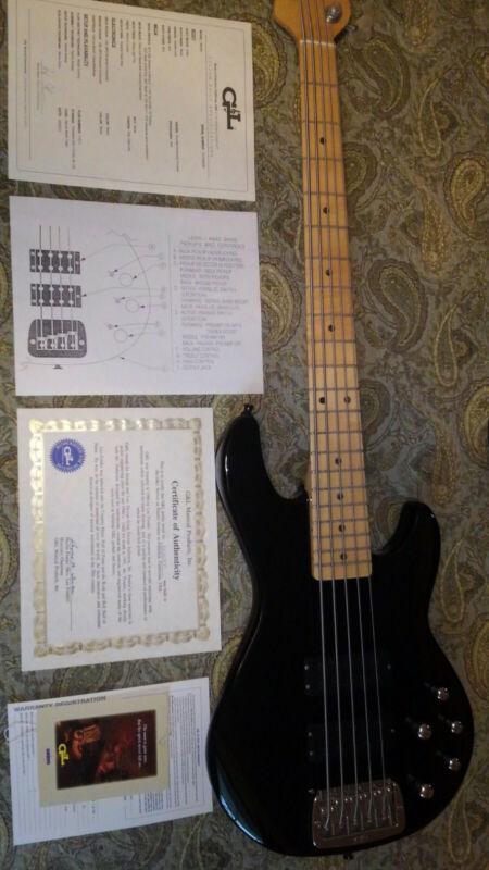 G&L M2500 5 String Electric Bass