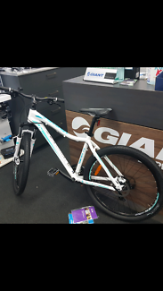 Womens Giant/Liv mountain bike - as new and in perfect condition