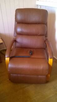 Electric Lift Recliner, Leather Gympie Gympie Area Preview