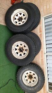 KUMHO ROAD VENTURE 31X10.50R15LT 109R tyre and wheel set  5 Wheels
