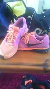 US 9 Pink & Orange Nike Running shoes Toukley Wyong Area Preview