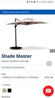 Shade Master Delux Cantilever Umbrella