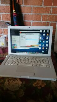 Macbook 13 inch Early 2008 white body working condition Harris Park Parramatta Area Preview