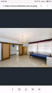 $85 spacious room to let