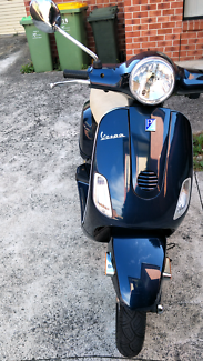 950$ Vespa Scooter lx150 2009 must go today