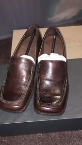 Hush Puppies shoes Size 7 - Brand New