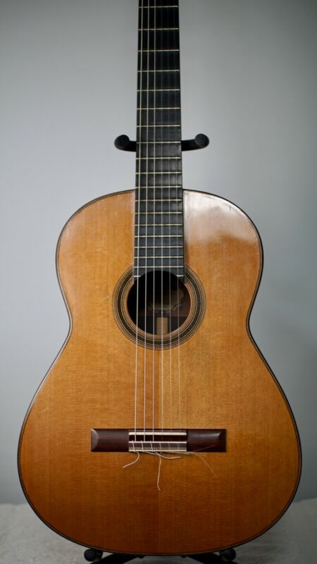 2011 Cervantes Master Signature Cedar Classical Guitar Beautiful Sound