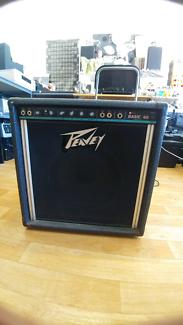 Peavey basic 60 bass combo.
