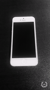 iPhone 5 32 gb silver good condition Cannington Canning Area Preview