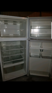 FREE DELIVERY! Cheap 416L Westinghouse Frost Free Fridge/Freezer