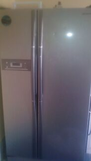 Samsung Big fridge freezer  Banksia Beach Caboolture Area Preview