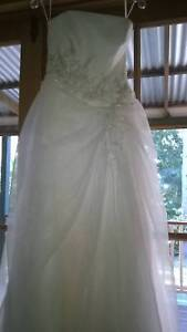 Touch of Romance wedding dress size 10 Mooloolah Valley Caloundra Area Preview