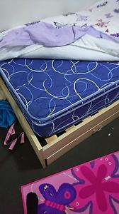 7 piece king  Single Bedroom Suite Aberglasslyn Maitland Area Preview