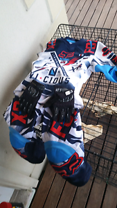 Kids motorbike gear Midway Point Sorell Area Preview