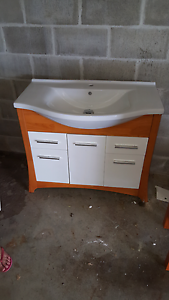 Bathroom vanity in brisbane region qld gumtree for Bathroom cabinets gumtree