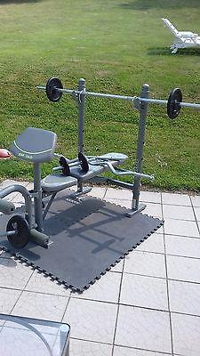 Banc de musculation complet comme neuf. Pratiquement pas servi.