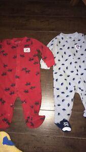 2 pyjamas carters 6M