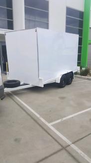box tandem trailer