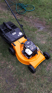 For sale Rover lawn mower with 4.5 Briggs & Straton  VGC Glamorgan Vale Ipswich City Preview